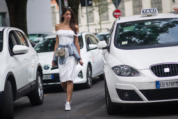 Sarah-Nicole-Rosetto-off-the-shoulder-dress-milan-street-style-w724.jpg